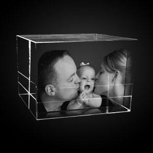 "alt=''rodicia s dietatom fotografia v skle"""